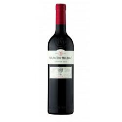 El Vino tinto Ramon Bilbao Crianza esta elaborado con 100 Tempranillo y pertenece a la DO Rioja Las Bodegas Ramon Bilbao estan