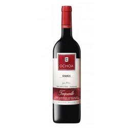 El vino Tinto Ochoa Crianza Vegano es representante de los vinos de nuestra tierra y de nuestra bodega ya que es un referente d