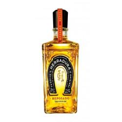 El Tequila Herradura Reposado esta elaborado a partir de agave azul Weber Este tequila se destila en dos fases para conseguir u