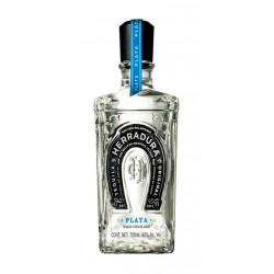 El Tequila Herradura Blanco es un excelente tequila producido en Jalisco Mexico y elaborado a base de 100 agave azul Cada ano s