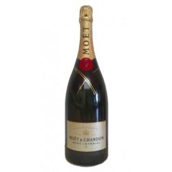 El Champagne Moeumlt Chandon Brut Imperial mas vendido del mundo lleno de frescura elegancia y seduccionTipo de uva Pinot Noir