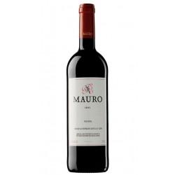Bodegas Mauro nos presenta este vino de Castilla y Leon Espana creado a partir de uvas Tempranillo y Syrah y presentado en form