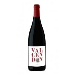 El Vino Tinto Valcendon Crianza forma parte de la DO La Rioja La variedad de uva utilizada es 80 Tempranillo 10 Garnacha y 10 G