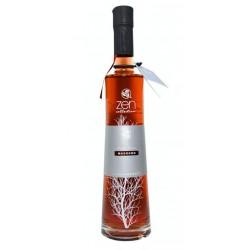 El Licor de Madrono Alambique de Santa Marta se elabora macerando madronos y frutas del bosque en selectos alcoholes Este produ