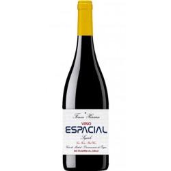 El Vino Tinto Espacial Syrah pertenece a la Bodega Finca Herrera y con una Denominacion de Origen Vinos de MadridTiene una alta