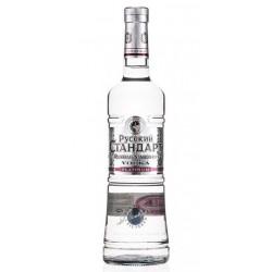 Vodka Russian Standard es un vodka elaborado en Rusia por la destileria Russian Standard Vodkausando trigo y el agua que se obt