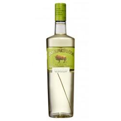 Vodka ZubrowkaVodka Zubrowka es un vodka elaborado en Polonia aroamtizado con hierbas y obtenido mediante un proceso de destila
