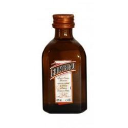 MINIATURA LICOR COINTREAU 120 Unidades El licor Cointreau es el resultado de una mezcla de naranjas dulces y amargas destiladas