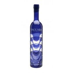 Licor Cachaca Yaguara BlueEste Licor Cachaca Yaguara Blue es elaborada en el BrasilCortada a mano y destilada en pequenos lotes