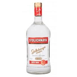 Vodka Stolichnaya ElitElit esta cuidadosamente elaborado con una receta rusa de siglos de antiguedad y un revolucionario proces