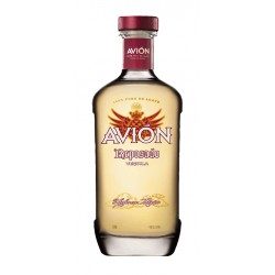Tequila Avion Reposado es un  tequila de mexicano reposado durante 6 meses en barricas de whisky americano para coger su color