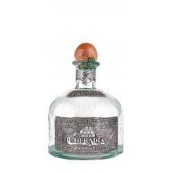 Tequila Cofradia Blanco es un  tequila de mexicano elaborado en su totalidad por agave de corte tradicional y exquisito se pres