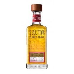 El Tequila Olmeca Altos Reposado esta hecho 100 de agave azul sembrado en Mexico en las tierras de Los Altos Jalisco y anejado