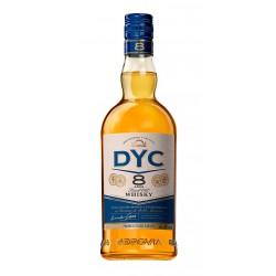 WHISKY DYC 8 ANOS Es un whisky blend de varios granos envejecidos separadamente durante un minimo de tres anos en barricas de r